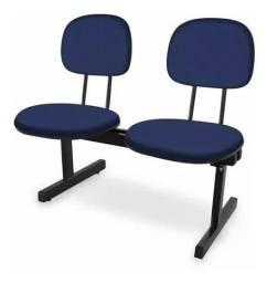 Cadeira Longarina com estofado em espuma Injetada