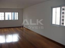 Título do anúncio: Apartamento Espaçoso - 4 Suítes - Excelente localização