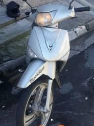 Título do anúncio: Traxx sky 125 moto booa pra entrega