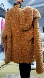 Blusa de lã  com touca
