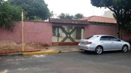 Casa Jardim Nova Bauru - 03 Dorm. c/edícula e pomar frutífero