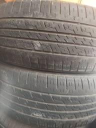 Título do anúncio: 2 pneus 225 55 18 kumho mais de meia vidas