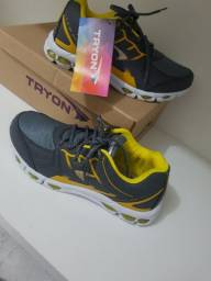 Tênis esportivo Tryon novo na caixa N 41