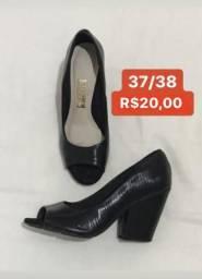 Sapatos Femininos 37/38 Vizzano e Moleca - Aceito Cartão