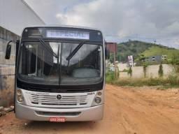 Ônibus Semi Rodoviário 2004