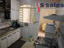 Oportunidade!!! Casa com 2 qtos na Candangolândia!!!