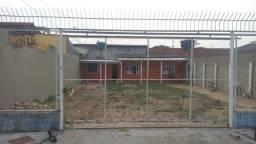 Casa com 3 dormitórios para alugar por R$ 1.300,00/mês - Conjunto Guiomard Santos - Rio Br