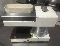 Batedor de Bife Industrial 110V R$490