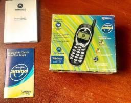 Celular vintage Motorola 120t