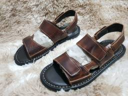 Sandálias Masculinas de Couro Vitorenzzo Shoes