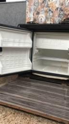 Vendo geladeira de caminhão 85 litros+caixa caibi