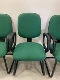 20 cadeiras verdes fixas e 2 de rodinhas (usadas)