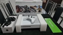 Xbox one S 1tb um mês de uso