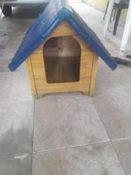 Casa de cachorro de madeira. 80 reais