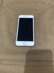 Vendo iPhone 7 128 GB, celular sem detalhes