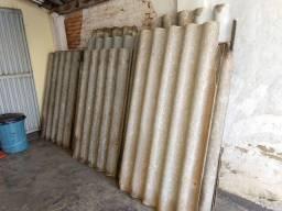 Vende se telhas Brasilit de 1 metrô por 1.20 valor 23 reais cada uma