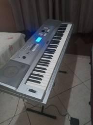 Título do anúncio: Teclado Piano Digital Yamaha DGX-230