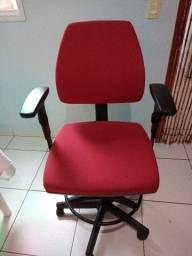 Título do anúncio: Cadeira giratória caixa alta Super conservada