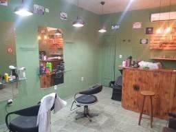 Título do anúncio:  Vaga de barbeiro , cabeleireiro , manicure