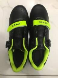 Vendo Calçado estilo sapatilha para bike