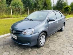 Etios Sedan 1.5 X - 2014 - muito novo