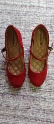 Vendo sapato vermelho moleca