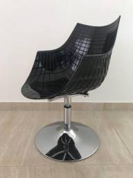 Cadeira Sparta Preta com base em taça