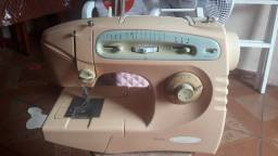 Título do anúncio: Vendo uma máquina de costura