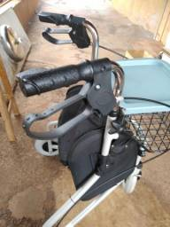 Andador de rodas Novo