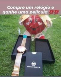 Compre um relógio e ganhe uma pelúcia