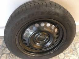 """Roda com pneu 185 60 15"""""""