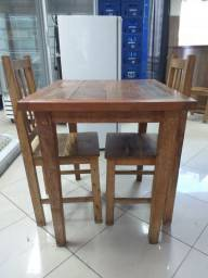 Mesa de madeira- Campo Grande Ms