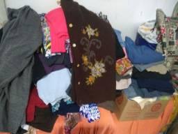12 peças de roupas do P ao GG retirar em Gravataí