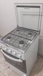 Vendo fogão 04 bocas usado ,todas funcionando...valor 150,00..zap *61