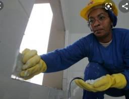 Trabalho com limpeza de obras
