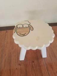 Banco infantil - ovelha ?
