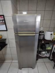 Título do anúncio: Refrigerador Duplex Esmaltec 276 Litros