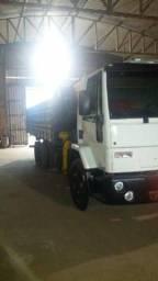 Vendo Caminhão Ford Cargo 2428 E