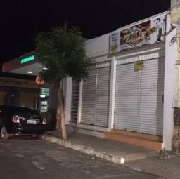 ALUGA-SE , Prédio na Rua:Tristão Gonçalves 167 , Centro -Crato-CE