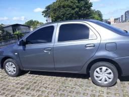 Etios Sedan Cinza - 2014