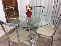Mesa de jantar Carraro com 4 Cadeiras (entrego)