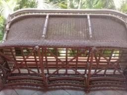 Venda de um sofá em vime e bambu
