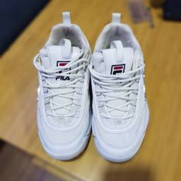 Tênis feminino importado Fila, cor branca