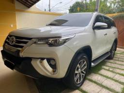 Hilux SW4 - 7 Lugares - 2016