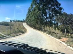 Linda chácara 800 mts, 2 kms de Resende Costa, próx, a Tiradentes e a São João del Rey