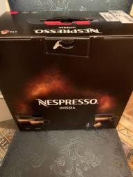 Nespresso Inissia vermelha NOVA SEM USO