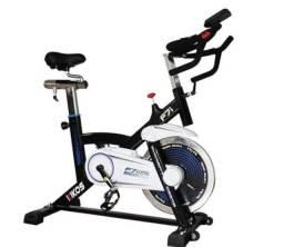 Esteiras eliptico e bike de spining.