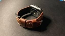 Pulseira em Couro Legítimo Maikes para Apple Watch Series 3/4/5/6/SE - 42-44mm