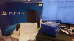 Vendo PS4 PRO, 2 controles. Nota fiscal