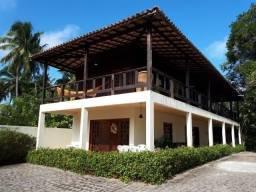Casa para venda possui 400 metros quadrados com 8 quartos em Ipioca - Maceió - AL